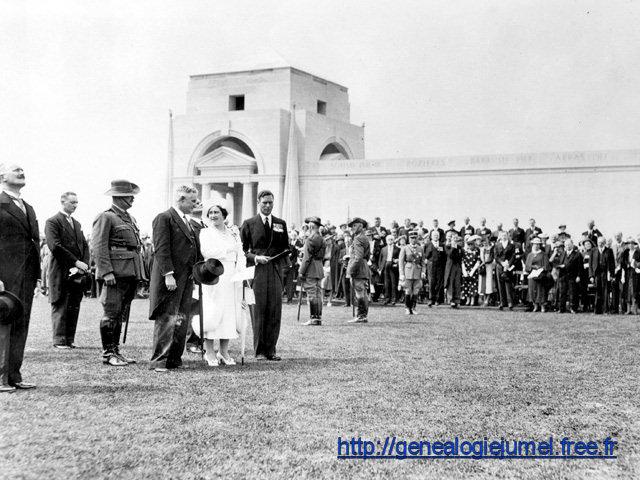 Le roi George VI, la reine Elizabeth, le vice 1er ministre australien Sir Earle Page et le président de la République Albert Lebrun